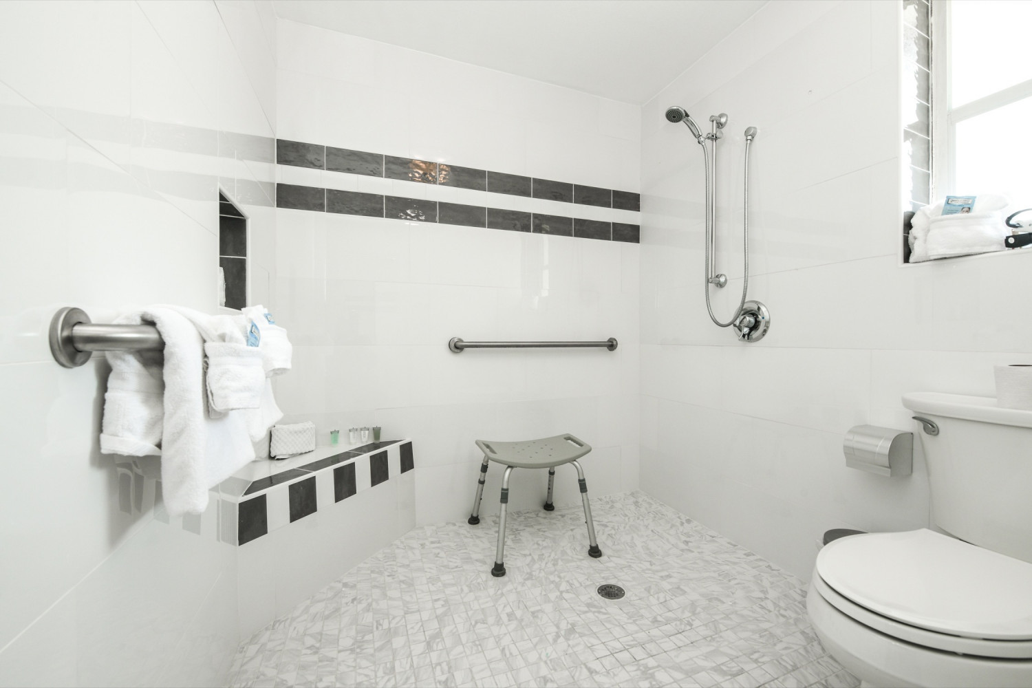 Accessible wheel in shower - Siesta Key Vacation Rentals