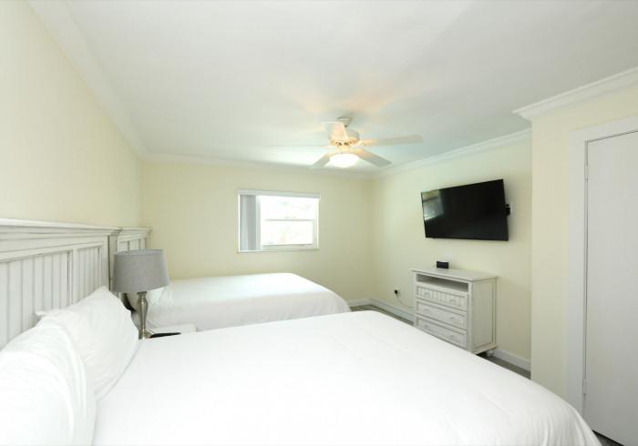 One bedroom Suite Sleeps 6