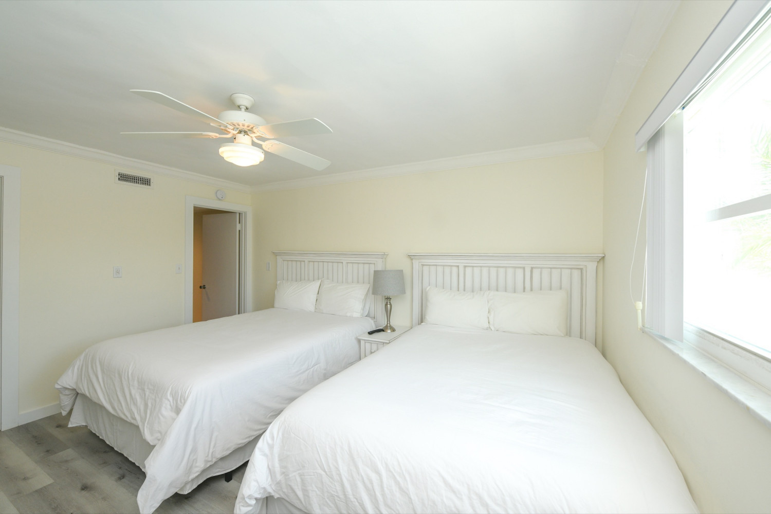 One bedroom Suite Sleeps 6 - Siesta Key Vacation Rentals