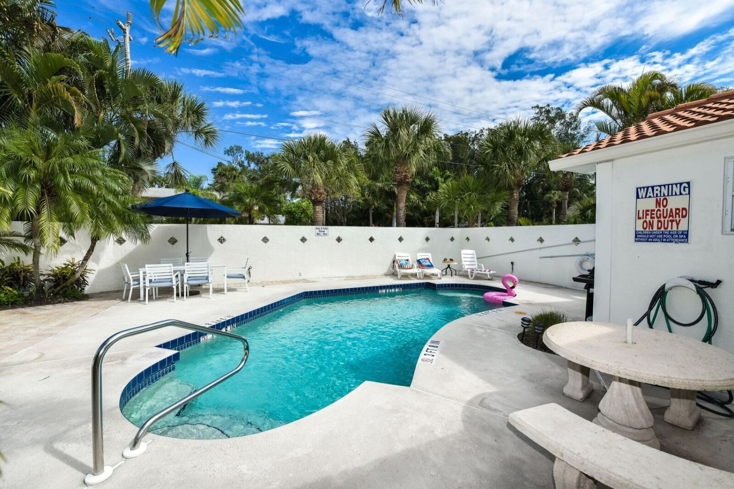 2 Bedroom, 2 Bath-Poolside - Siesta Key Vacation Rentals