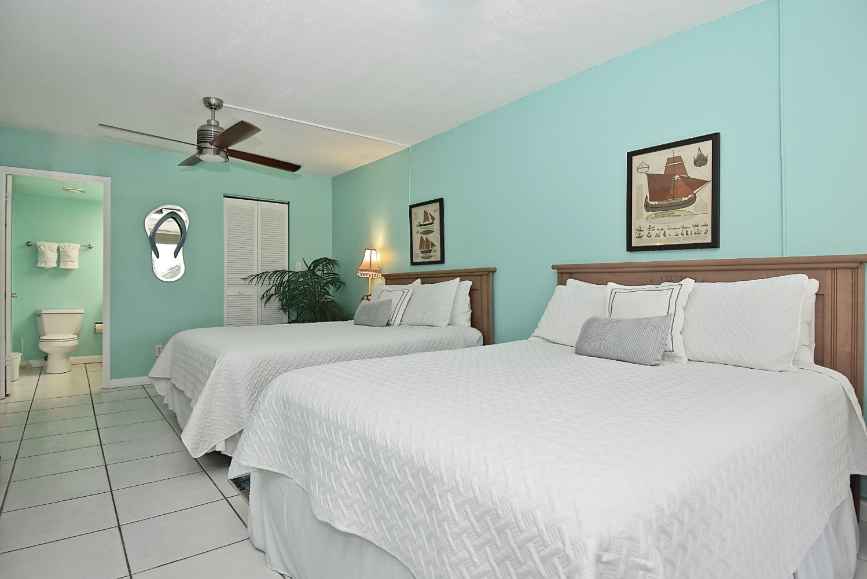 G 46 Deluxe 1 Bed 1 Bath Gulfside