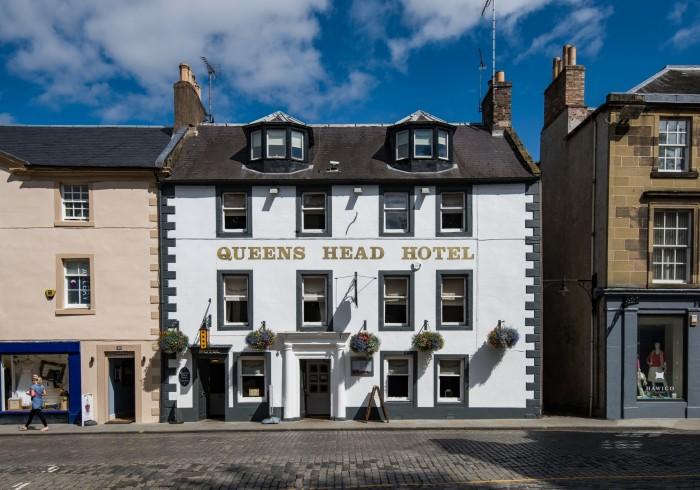 Queenshead Hotel