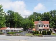 Seven Dwarfs Motel & Cabins