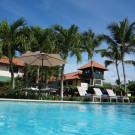 Hotel Caserma Jardines y piscina