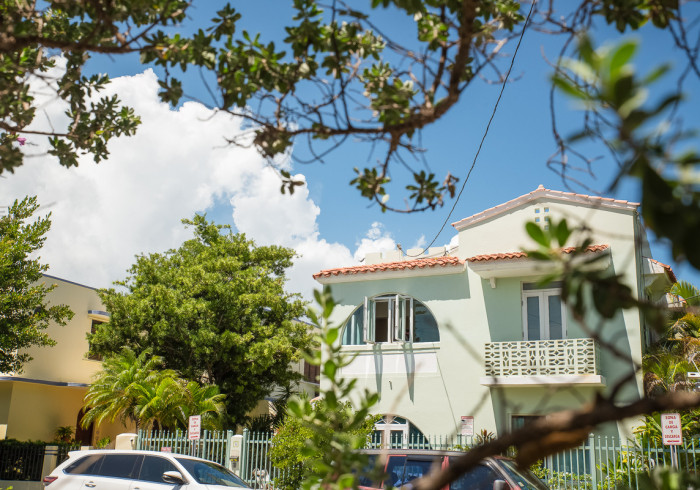 Numero Uno Beach Apartments