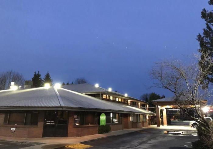 Art Infiniti Hotel Maple Ridge Canada Best Price Guarantee