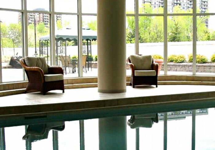 Fully Furnished Apartments near Rideau Canal