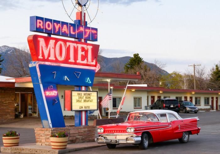 Royal 7 Inn