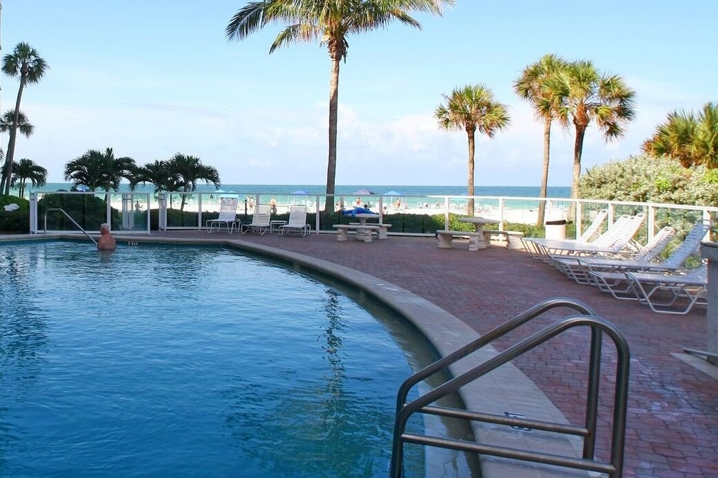 Suite 16 - Siesta Key Vacation Rentals