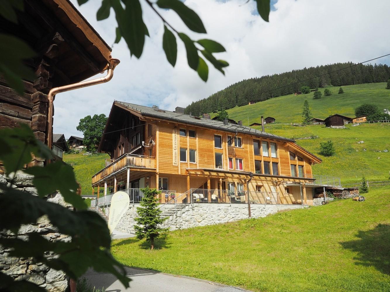 najlepsza obsługa zegarek nowe wydanie Esther's Guesthouse Gimmelwald - Gimmelwald, Switzerland ...