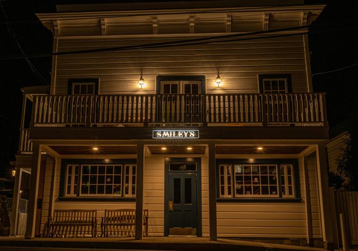 Smiley's Saloon, Hotel & Kitchen