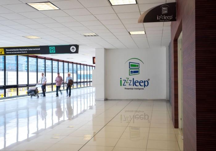 izZzleep Aeropuerto Terminal 1