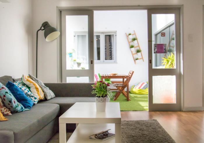 Travel & Live Hostel
